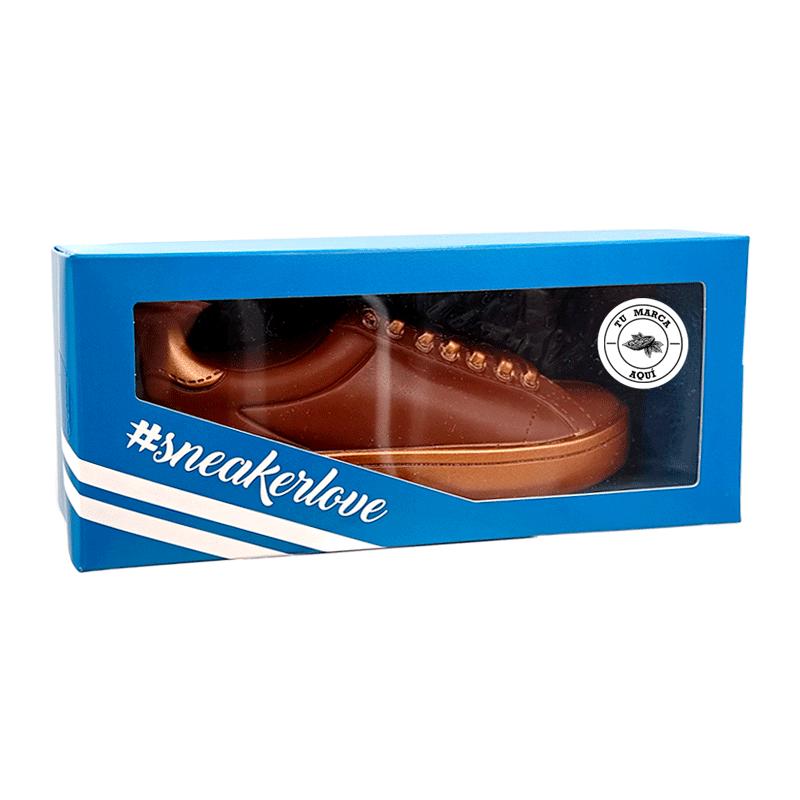 Estuche personalizado Zapatilla 'sneaker' de chocolate con leche 165g